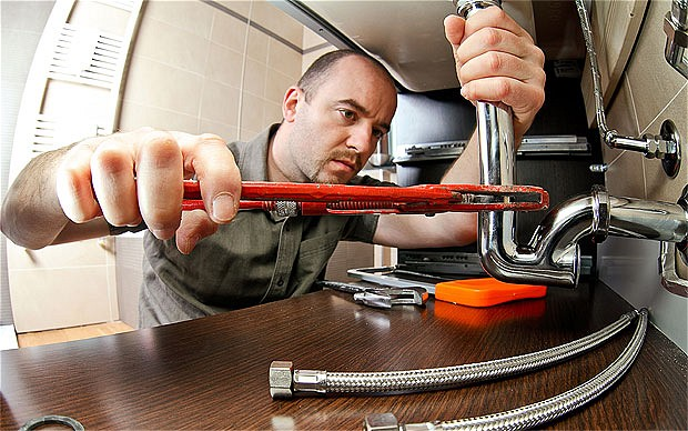 Fixing A Leaky Kitchen Sink Pipe